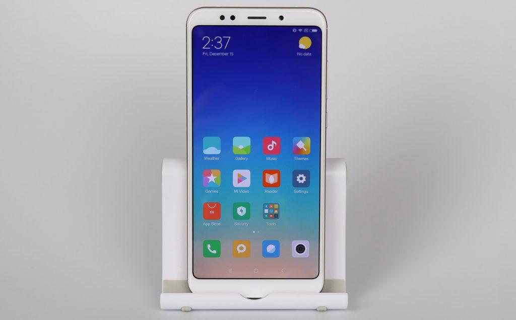 Обзор Xiaomi Redmi 5 Plus дисплей